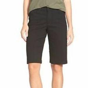 NWT NYDJ Debbie Black Bermuda Jean Shorts